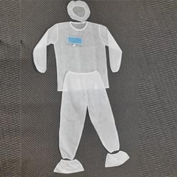 PPE white L or XL size 1 set